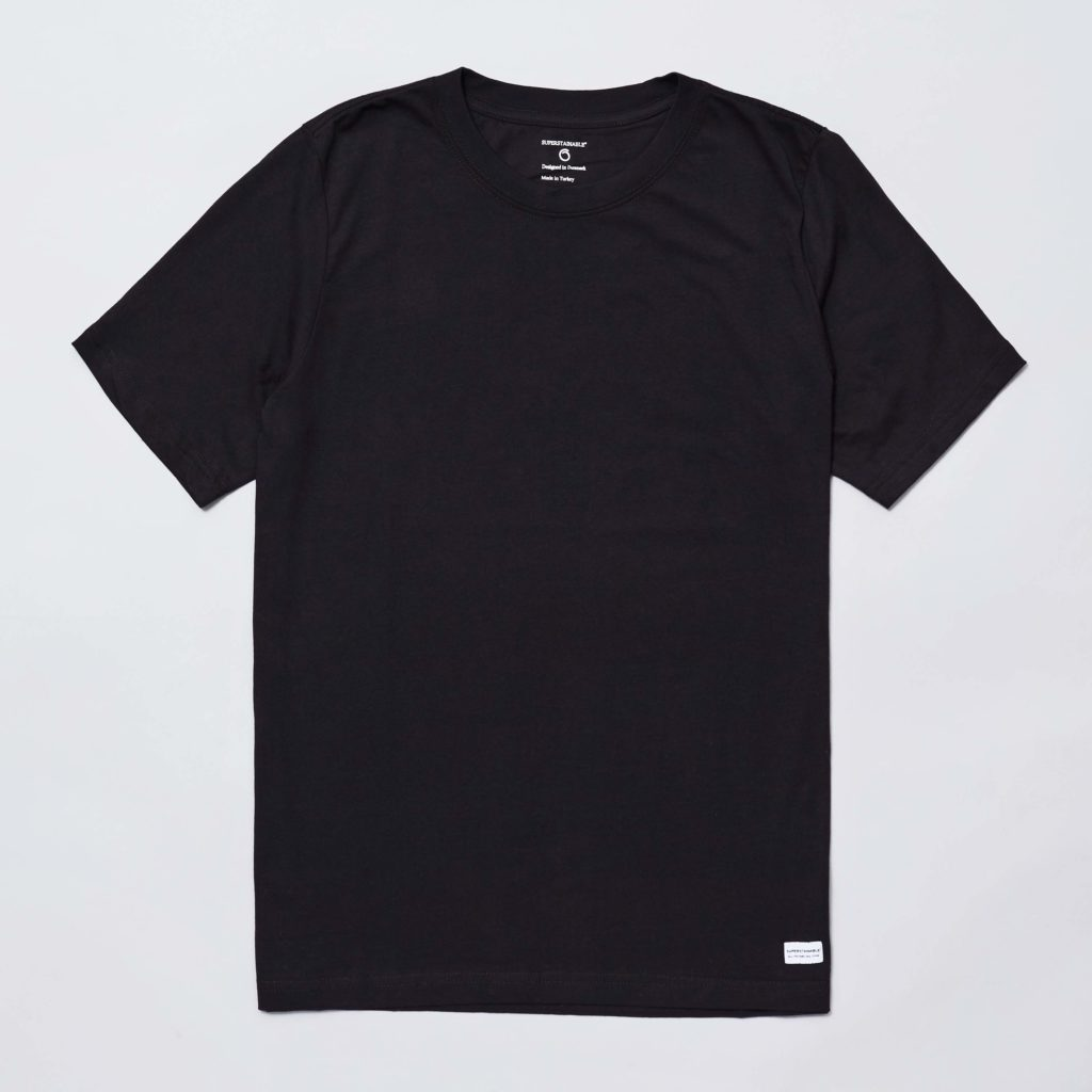 Front of the black organic cotton Anholt T-shirt