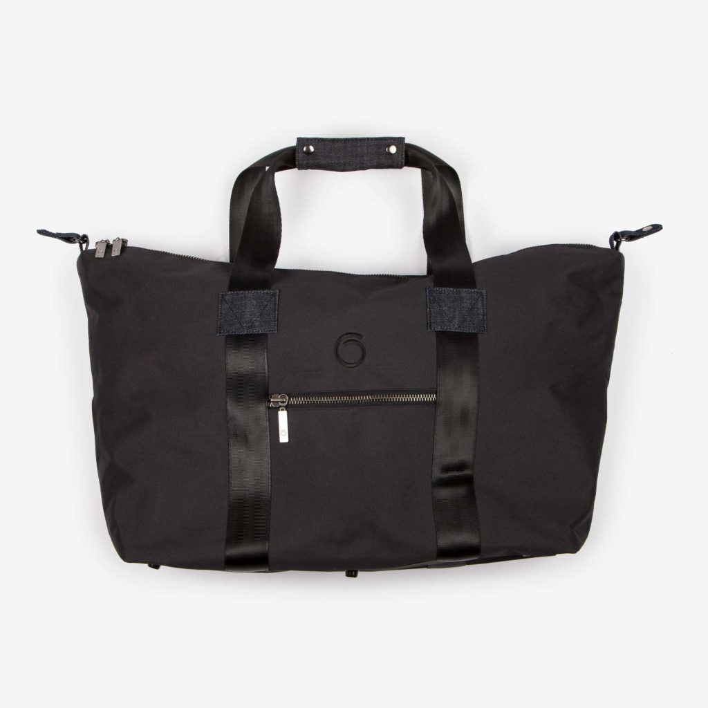 Front view of the black Weekend Bag